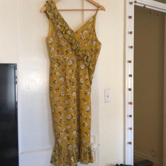 Nasty Gal Dresses & Skirts - Never worn nasty gal midi yellow floral dress